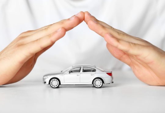 Mains sur l'assurance auto