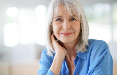 Cheveux longs femme 50 ans