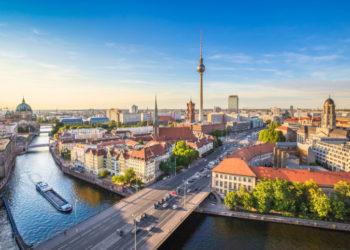 Magnifique vue aérienne de Berlin un jour d'été