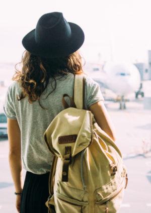 Concept de voyage avec femme