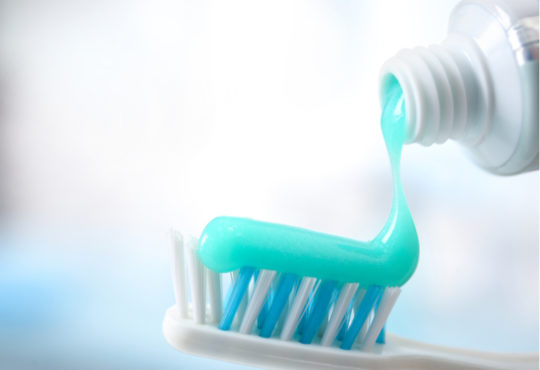 Dioxyde de titane dans dentifrice, danger ?